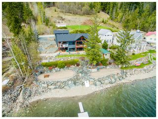 Main Photo: 10 8200 Squilax-Anglemont Road in Anglemont: Melo Beach House for sale : MLS®# 10158135