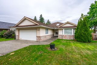 Photo 1: 21689 45 Avenue in Langley: Murrayville House for sale : MLS®# R2319292