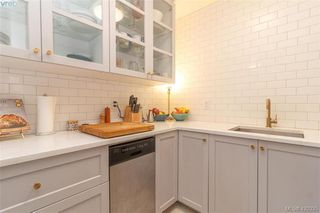 Photo 9: 2 210 Douglas St in VICTORIA: Vi James Bay Row/Townhouse for sale (Victoria)  : MLS®# 831921