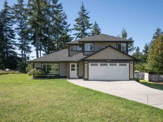 Photo 1: 1439 MOONDANCE Place in Gibsons: Gibsons & Area House for sale (Sunshine Coast)  : MLS®# R2505477