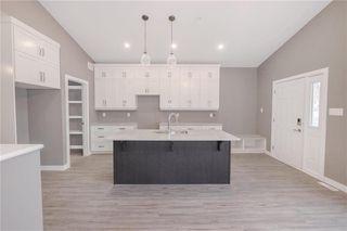 Photo 3: 118 Harvard Avenue in Winnipeg: West Transcona Residential for sale (3L)  : MLS®# 202026233