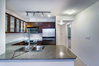 "Photo 4: 1005 813 AGNES Street in New Westminster: Downtown NW Condo for sale in ""NEWS"" : MLS®# R2526591"