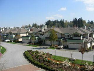 Photo 8: 331, 13880 70 Avenue, Surrey: Condo for sale (East Newton)  : MLS®# 2409726