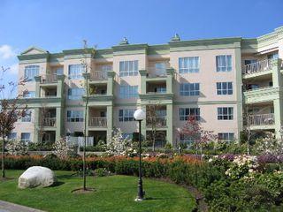 Photo 1: 331, 13880 70 Avenue, Surrey: Condo for sale (East Newton)  : MLS®# 2409726