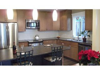 """Photo 5: 12 237 W 16TH Street in North Vancouver: Central Lonsdale Townhouse for sale in """"WINCHESTER GATE"""" : MLS®# V989548"""