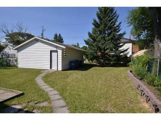 Photo 3: 222 Berry Street in WINNIPEG: St James Residential for sale (West Winnipeg)  : MLS®# 1317615