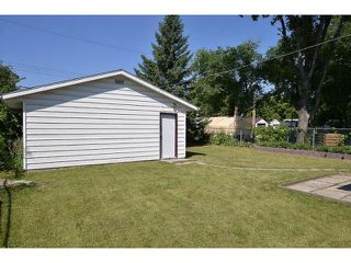 Photo 4: 222 Berry Street in WINNIPEG: St James Residential for sale (West Winnipeg)  : MLS®# 1317615