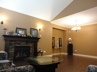 Photo 9: 35677 ZANATTA Place in Abbotsford: Abbotsford East House for sale : MLS®# F1321235