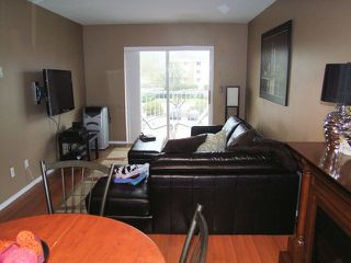 Photo 4: # 320 45669 MCINTOSH DR in Chilliwack: Chilliwack W Young-Well Condo for sale : MLS®# H1400381