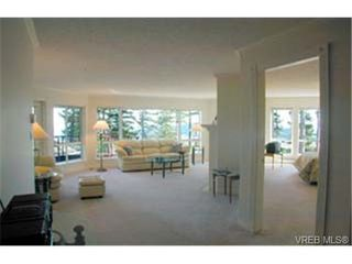 Photo 2: 303 940 Boulderwood Rise in VICTORIA: SE Broadmead Condo for sale (Saanich East)  : MLS®# 281040