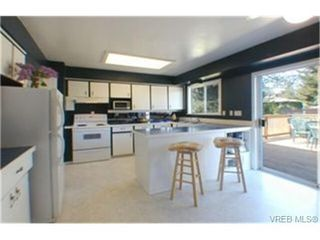 Photo 2: 3356 Summerhill Cres in VICTORIA: Co Wishart South Single Family Detached for sale (Colwood)  : MLS®# 336679