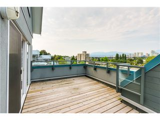 "Photo 12: 306 1345 W 4TH Avenue in Vancouver: False Creek Condo for sale in ""GRANVILLE ISLAND VILLAGE"" (Vancouver West)  : MLS®# V1079641"