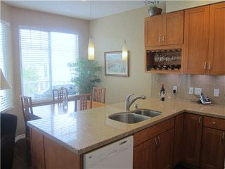 Photo 3: 2 7500 Cumberland Street in Burnaby: Townhouse for sale (Burnaby East)  : MLS®# V1135476