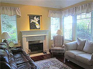 Photo 6: 2 7500 Cumberland Street in Burnaby: Townhouse for sale (Burnaby East)  : MLS®# V1135476
