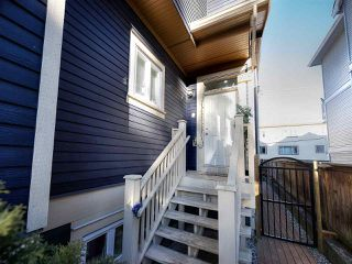 Photo 1: 1609 FRANCES STREET in Vancouver: Hastings House 1/2 Duplex for sale (Vancouver East)  : MLS®# R2131404