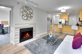 Main Photo: Downtown Vancouver Yaletown condo apartment