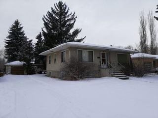 Photo 2: 10446 142 Street NW: Edmonton House for sale