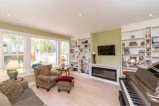 Photo 12: 1635 Kings Road in Victoria: Oaklands House for sale : MLS®# VIR411055