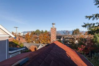 """Photo 11: 555 E 7TH Avenue in Vancouver: Mount Pleasant VE House for sale in """"Mount Pleasant"""" (Vancouver East)  : MLS®# R2430072"""