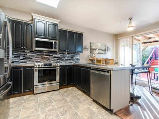 """Photo 9: 24370 101 Avenue in Maple Ridge: Albion House for sale in """"COUNTRY LANE"""" : MLS®# R2435644"""