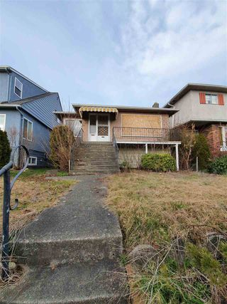 Main Photo: 2979 E 7TH Avenue in Vancouver: Renfrew VE House for sale (Vancouver East)  : MLS®# R2438058