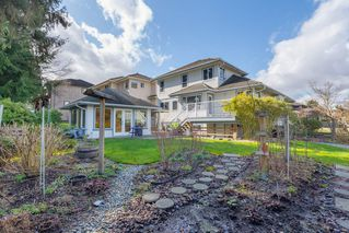 Photo 2: 12576 206 Street in Maple Ridge: Northwest Maple Ridge House for sale : MLS®# R2445501