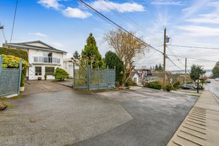 "Photo 6: 942 PARKER Street: White Rock House for sale in ""EAST BEACH"" (South Surrey White Rock)  : MLS®# R2447986"