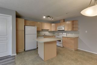 Photo 9: 111 16035 132 Street in Edmonton: Zone 27 Condo for sale : MLS®# E4200978