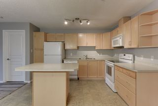 Photo 6: 111 16035 132 Street in Edmonton: Zone 27 Condo for sale : MLS®# E4200978