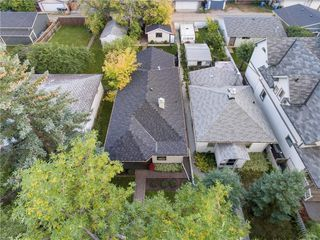 Photo 2: 717 19 Avenue NW in Calgary: Mount Pleasant Detached for sale : MLS®# C4301605