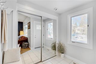 Photo 6: 717 19 Avenue NW in Calgary: Mount Pleasant Detached for sale : MLS®# C4301605