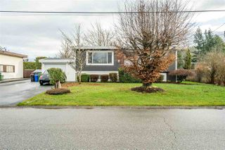 Photo 2: 10166 BEVERLEY Drive in Chilliwack: Fairfield Island House for sale : MLS®# R2527430