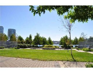 Photo 4: # 505 1408 STRATHMORE MEWS in Vancouver: Condo for sale (False Creek North)  : MLS®# V847639