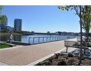 Photo 2: # 505 1408 STRATHMORE MEWS in Vancouver: Condo for sale (False Creek North)  : MLS®# V847639