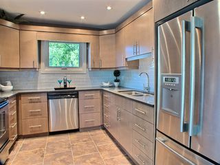 Photo 9: 669 Cambridge Street in : River Heights / Tuxedo / Linden Woods Residential for sale (South Winnipeg)  : MLS®# 1414053