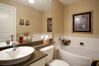 Photo 9: 301 4500 Westwater Drive in Coppersky West: Home for sale