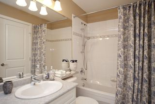 Photo 12: 301 4500 Westwater Drive in Coppersky West: Home for sale