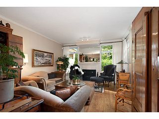 Photo 2: 356 TAYLOR WY in West Vancouver: Park Royal Condo for sale : MLS®# V1073240