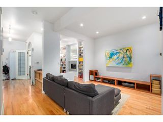 Photo 3: 431 HELMCKEN ST in Vancouver: Yaletown House for sale (Vancouver West)  : MLS®# V1094062