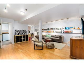 Photo 15: 431 HELMCKEN ST in Vancouver: Yaletown House for sale (Vancouver West)  : MLS®# V1094062
