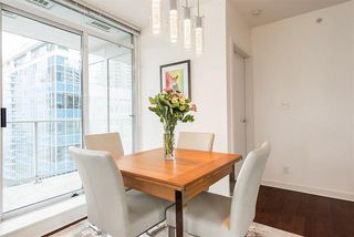 Photo 8: Vancouver West in Coal Harbour: Condo for sale : MLS®# R2083147