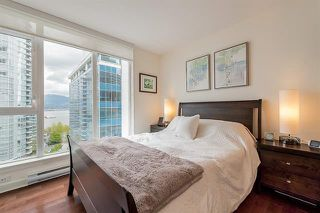 Photo 13: Vancouver West in Coal Harbour: Condo for sale : MLS®# R2083147