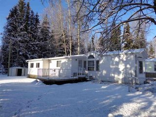 Photo 2: 11 3115 RIVER BEND Road in McBride: McBride - Town Manufactured Home for sale (Robson Valley (Zone 81))  : MLS®# R2422473
