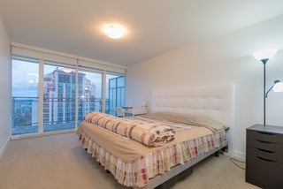 Photo 7: 1701 608 BELMONT Street in New Westminster: Uptown NW Condo for sale : MLS®# R2429223