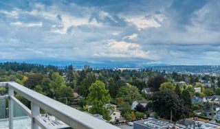 Photo 1: 1701 608 BELMONT Street in New Westminster: Uptown NW Condo for sale : MLS®# R2429223