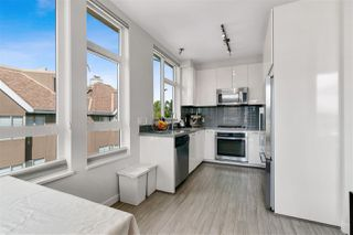 Photo 10: 403 717 CHESTERFIELD AVENUE in North Vancouver: Central Lonsdale Condo for sale : MLS®# R2464294