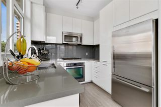Photo 9: 403 717 CHESTERFIELD AVENUE in North Vancouver: Central Lonsdale Condo for sale : MLS®# R2464294