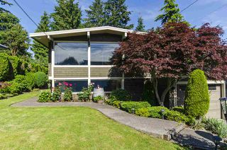 Photo 34: 1052 HABGOOD Street: White Rock House for sale (South Surrey White Rock)  : MLS®# R2470077