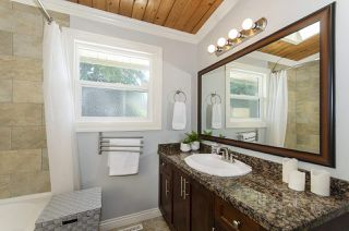 Photo 16: 1052 HABGOOD Street: White Rock House for sale (South Surrey White Rock)  : MLS®# R2470077