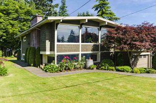 Photo 1: 1052 HABGOOD Street: White Rock House for sale (South Surrey White Rock)  : MLS®# R2470077